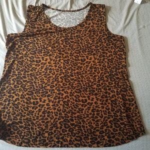 Leopard print sleeveless shirt